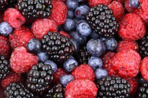 berries food for glowing skin and healthy hair